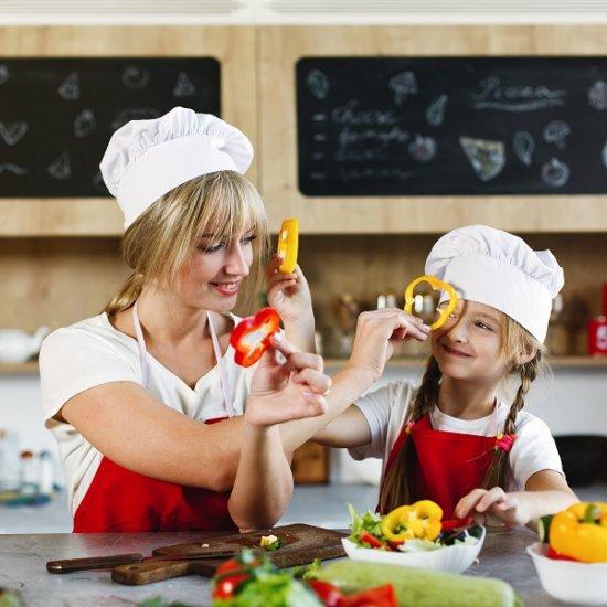 8 motivos para incentivar as crianças a cozinharem.jpg